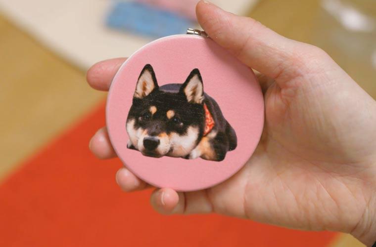 犬の写真入りコンパクトミラー